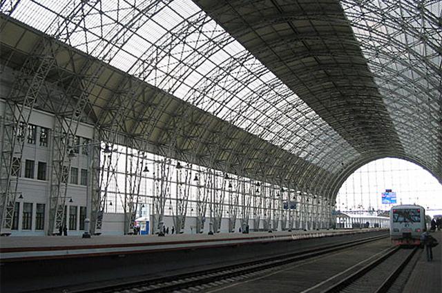 Шуховский металло-стеклянный дебаркадер Киевского вокзала в Москве