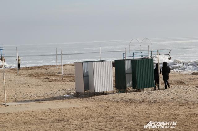 В ПВР Спутник молодёжь ходит на свидание на берег Таганрогского залива
