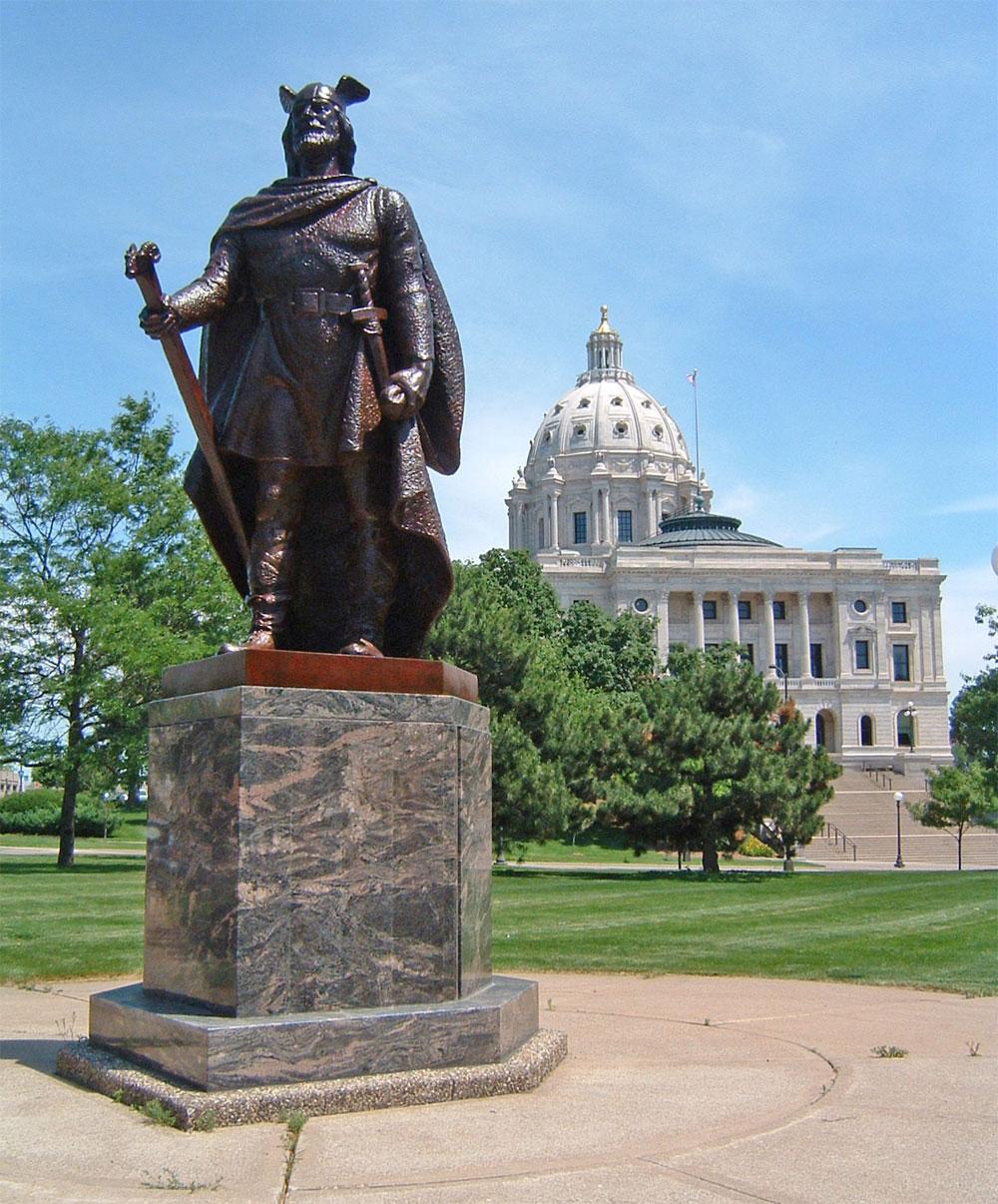 Памятник Лейфу Эрикссону в Сент-Поле (Миннесота).