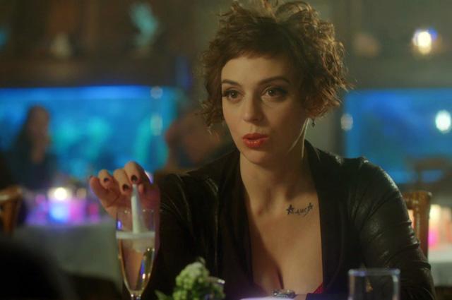 Нелли Уварова в сериале «Адаптация».