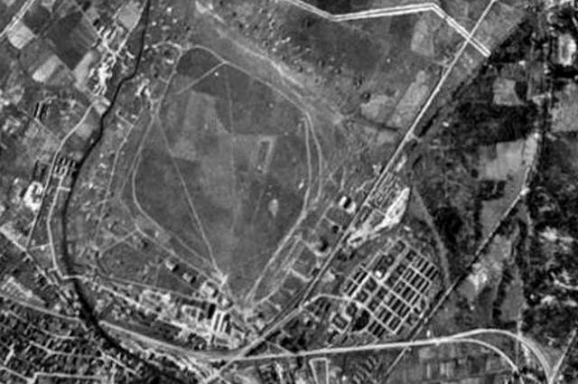 Комендантский аэродром. Немецкая аэрофотосъемка. 20 августа 1942 года.