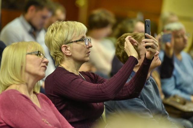 За время мероприятия от жителей города поступило около 30 вопросов о судьбе конкретных территорий.