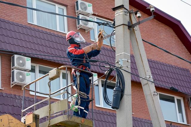 Ежемесячно под ограничения подачи электроэнергии из-за долгов попадают порядка 200 оренбуржцев.