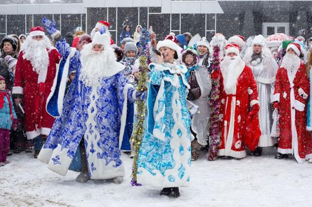 Парад Дедов Морозов в Ангарске