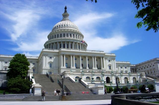 Решения о санкциях в США утверждает конгресс.