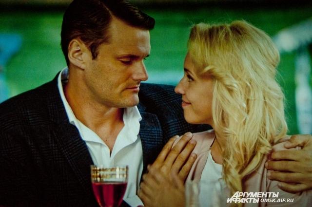 В фильме разворачивается настоящая битва за русскую красавицу.