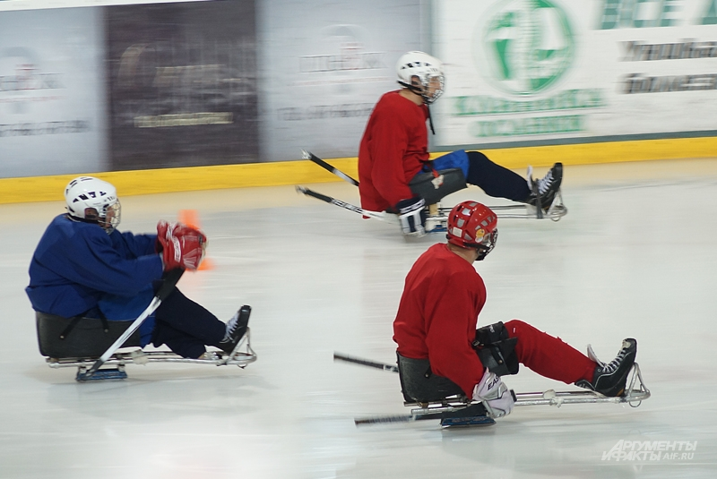 Для занятий следж-хоккеем нужна серьёзная физическая подготовка