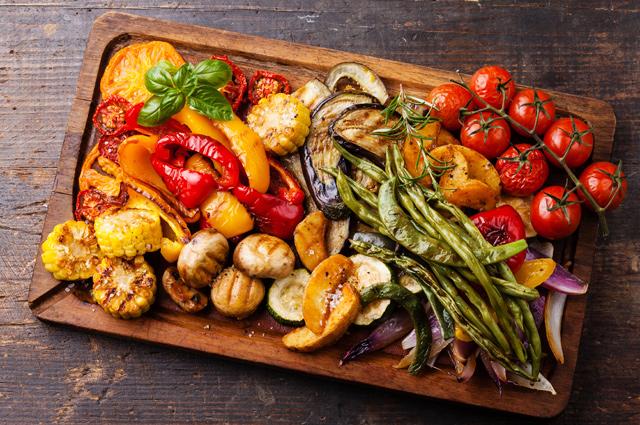 Запеченные овощи - яркая, вкусная и полезная еда.