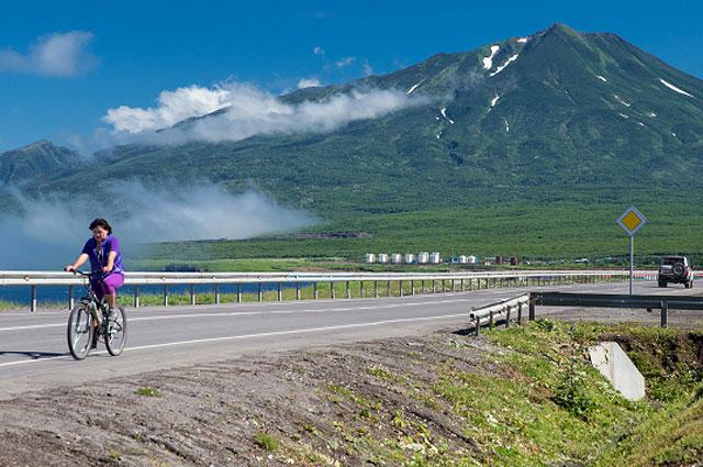 Вид на вулкан Богдан Хмельницкий на острове Итуруп