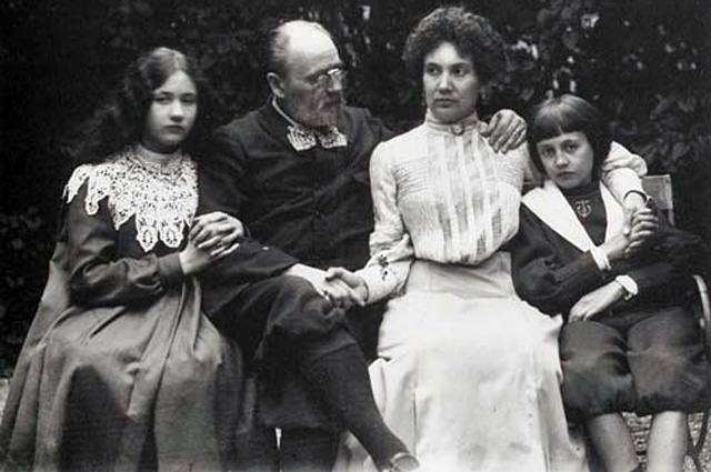 Эмиль Золя с Жанной и детьми
