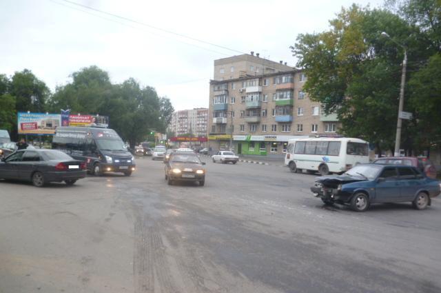 ДТП на Староникитской.
