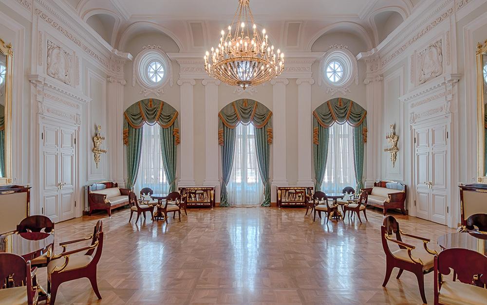 Петровский путевой дворец. Дворцовая гостиная.