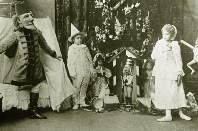 Сцена из балета П. Чайковского Щелкунчик в постановке Мариинского театра, 1892 год