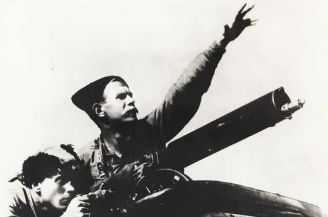 «Чапаева» показывали в кинотеатрах Ленинграда в течение двух лет после премьеры.