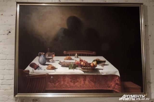 Художники осовременили известные картины, изменив отдельные детали.