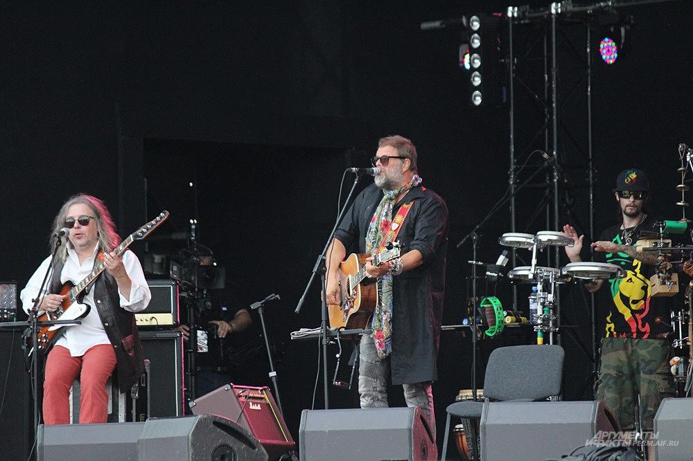 Легендарная группа «Аквариум» выступила 30 июля в Перми на городской эспланаде.