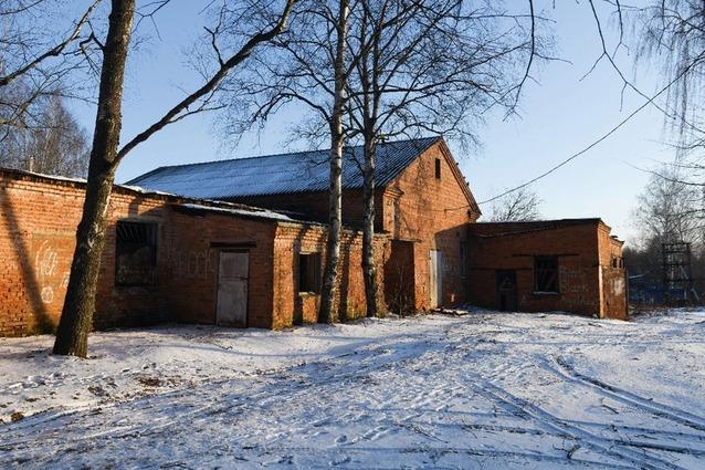 Здание для бани уже подобрали, его реконструируют.