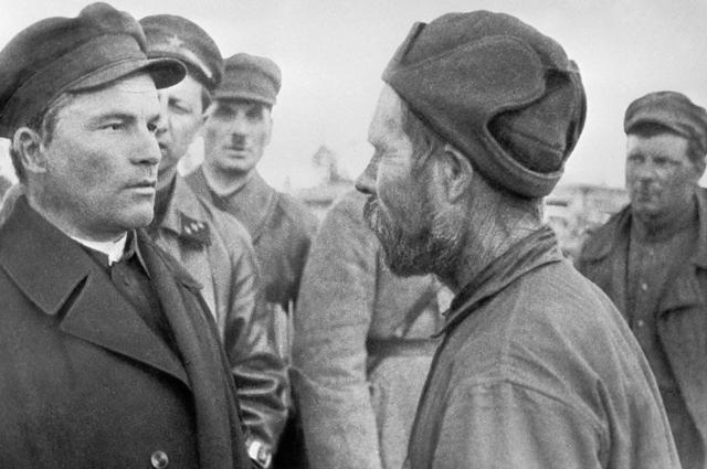 Сергей Миронович Киров во время посещения Беломоро-Балтийского канала. 1934 год.