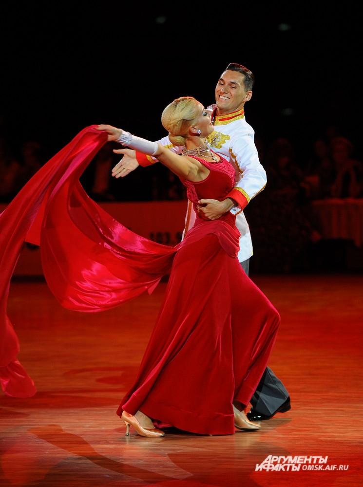 Бальные танцы обходятся родителям в 20 тысяч ежемесячно.