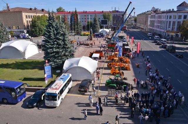 Индустриальная выставка развернулась в центре Брянска.