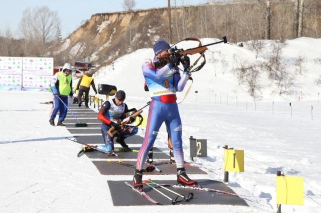 Биатлон в зимней России один из самых востребованных видов спорта.