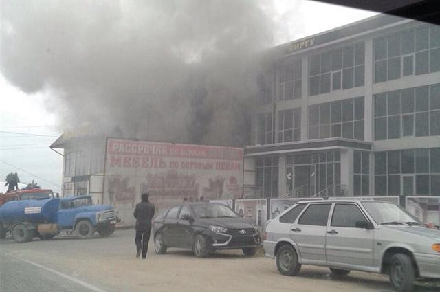 В Дагестане горит торговый центр с названием «Киргу»