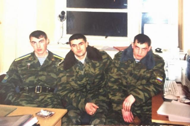 С армейскими товарищами
