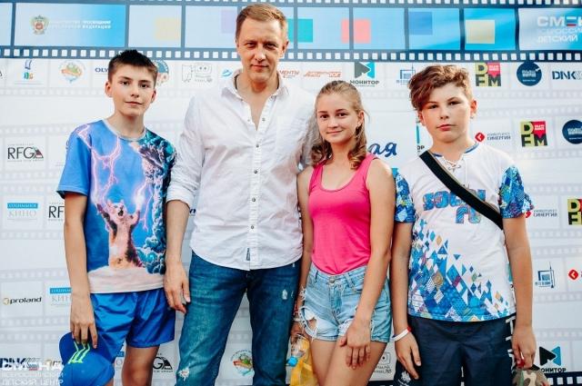 Актёр Сергей Горобченко провёл мастер-классы и творческие встречи.
