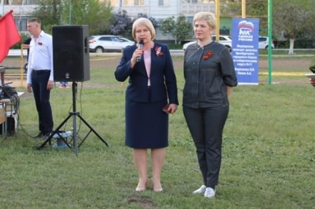Гостей праздника поздравили депутаты Оренбургского городского Совета Ольга Березнева и Елена Иванова.