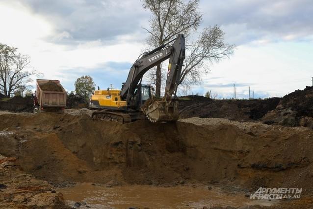 Чтобы дойти до золотоносного слоя надо прокопать много метров грунта