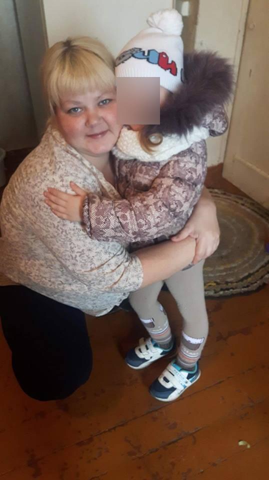 Пока Евгения в больнице, заботу о её детях взяла на себя бабушка.