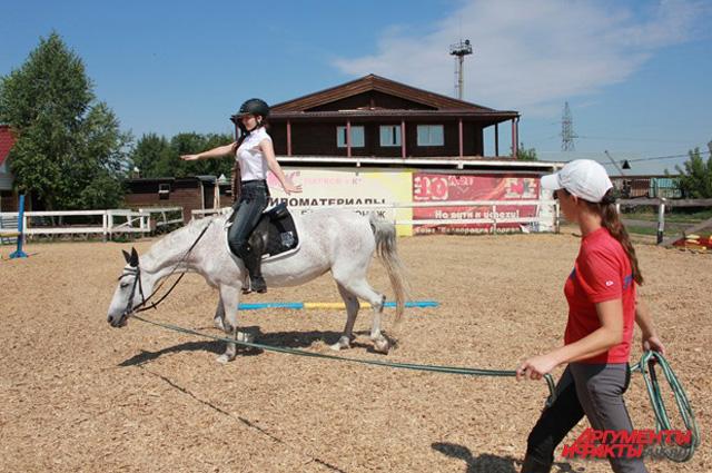Гимнастика верхом на лошади полезна даже для опытных наездников