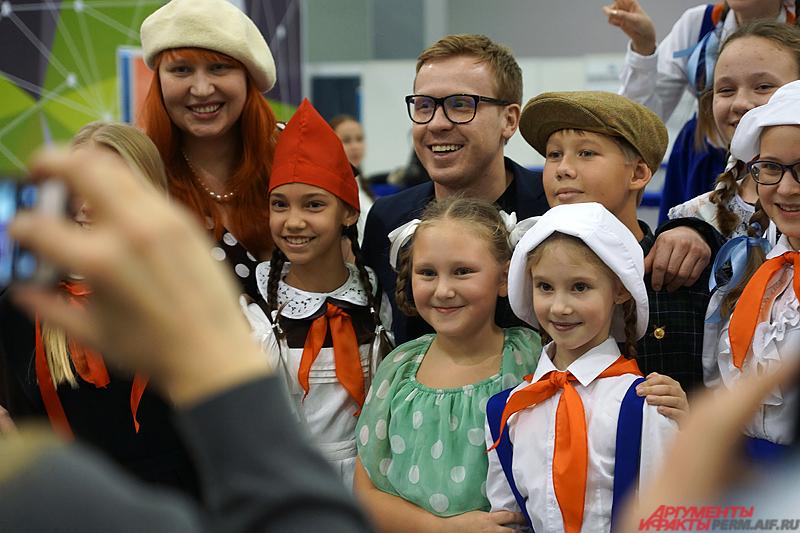 Известный актер стал лауреатом почетного знака, присуждаемого за активную волонтерскую работу в России.