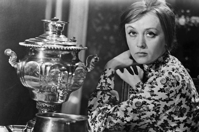 Маргарита Терехова в роли Таси на съемках кинофильма «Монолог» режиссера Ильи Авербаха. 1973 год.
