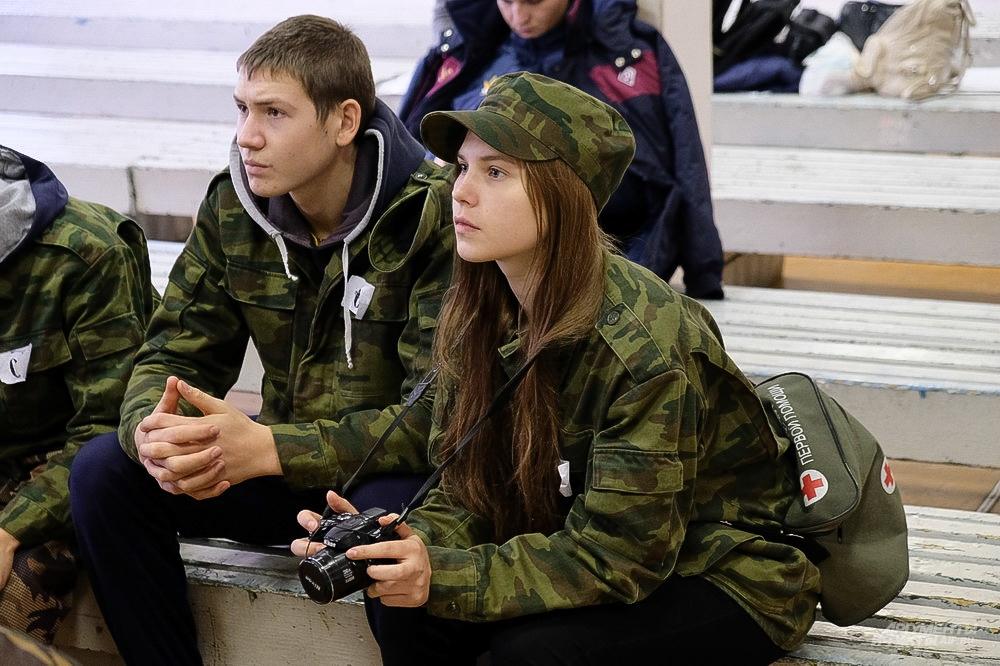 Ребята выполняли тестовые задания на знания военной истории