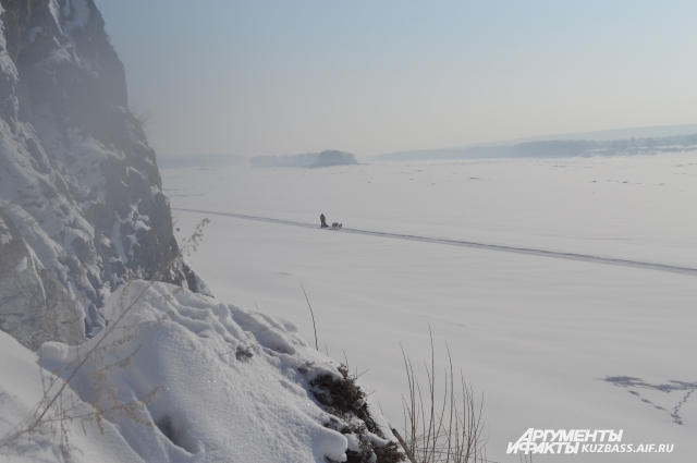 Томская писаница тянется на 30 км, есть где попутешествовать даже на собачьих упряжках.