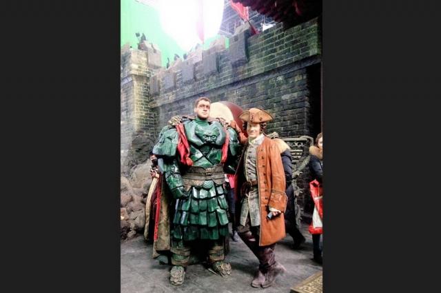 Виктор Шароваров и британский актёр Джейсон Флеминг на съемках фильма.