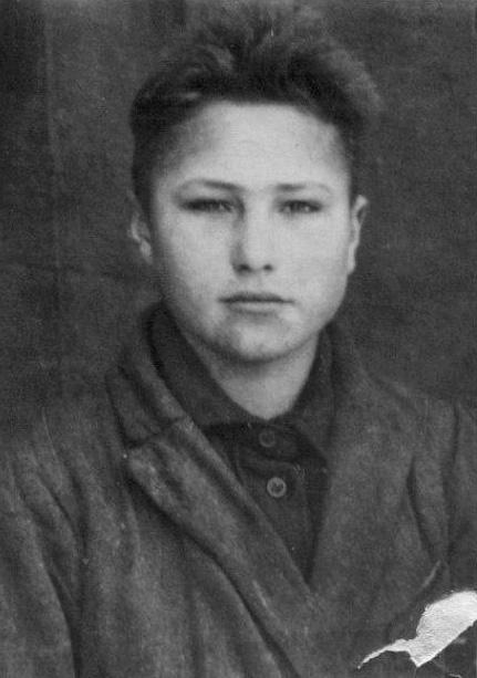 Учащийся сельской семилетней школы Василий Шукшин, 1942 г.