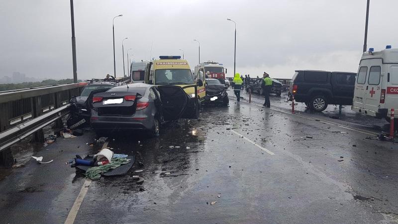 Водитель «Киа Рио» погиб. Его беременная пассажирка попала в перинатальный центр.
