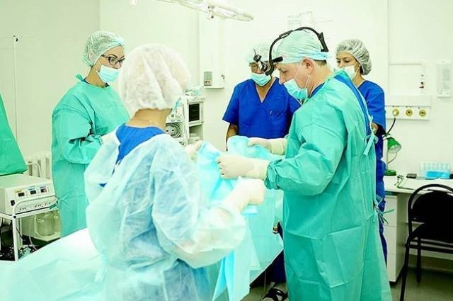 Пластические хирурги многопрофильной клиники «Реавиз» постоянно совершенствуют техники проведения операций.