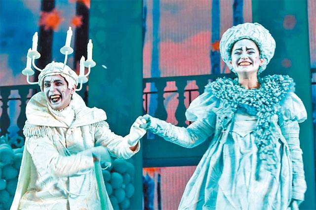 Сейчас актриса занята вТеатре мюзикла вспектакле «Всё оЗолушке», исполняет роль Феи-Крёстной.
