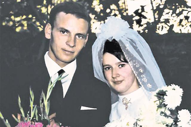 Молодожёны – Лариса и Анатолий.