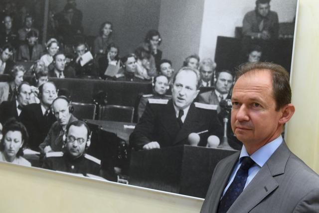 Внук главного обвинителя от СССР на Нюрнбергском процессе Романа Руденко Михаил Амирджанов на торжественном открытии выставки