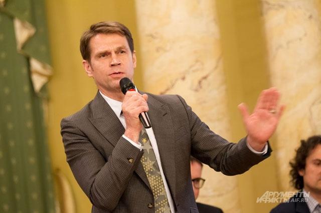 Борис Коношенко из Metro international уверен, что бумага это внедорожник