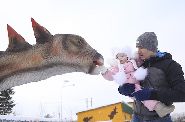 Динозавры малышам очень нравятся.