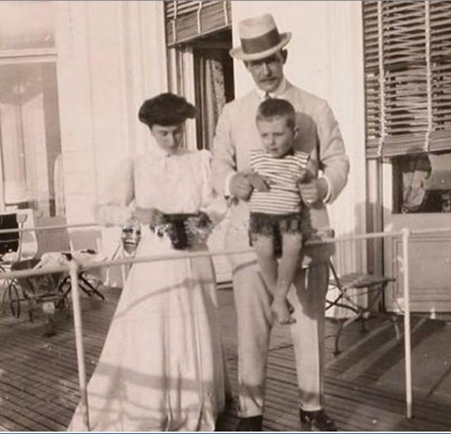 Матильда Кшесинская, Великий князь Андрей Владимирович и их сын Владимир. Около 1906 г.