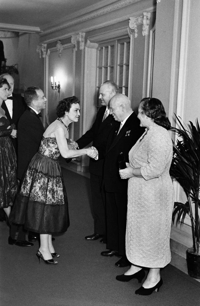 Официальный визит Никиты Хрущева в США (15-27 сентября 1959 года). Советское посольство в Вашингтоне.