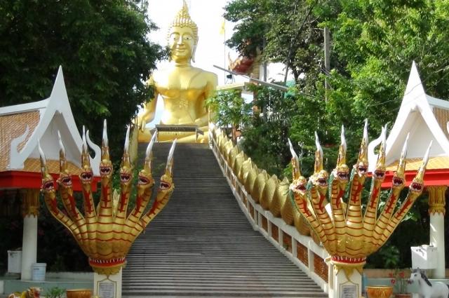 Таиланд поражает своими яркими красками.