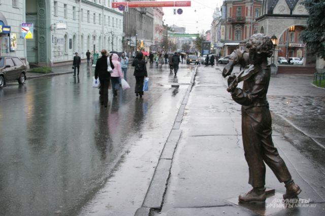 У скульптуры мальчика-скрипача украли смычек