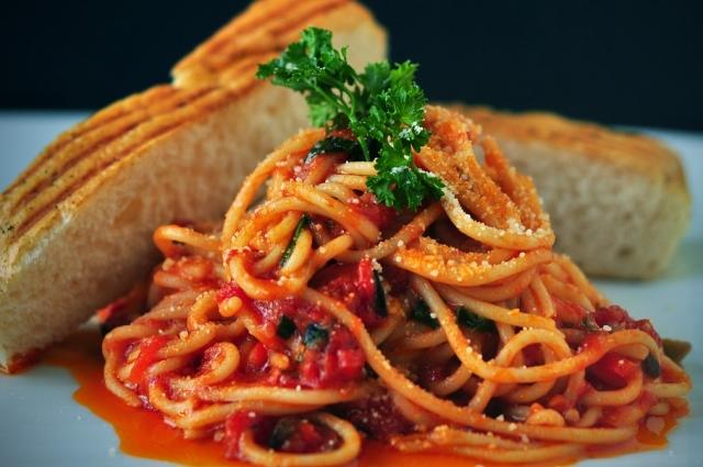 Паста - прекрасный вариант для быстрого ужина.